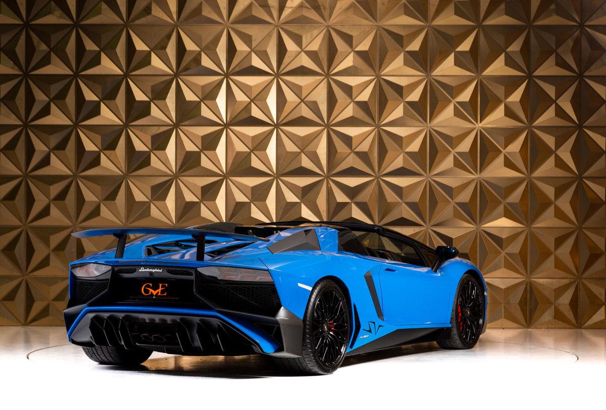 2016 Lamborghini Aventador SV Roadster SOLD (picture 3 of 11)