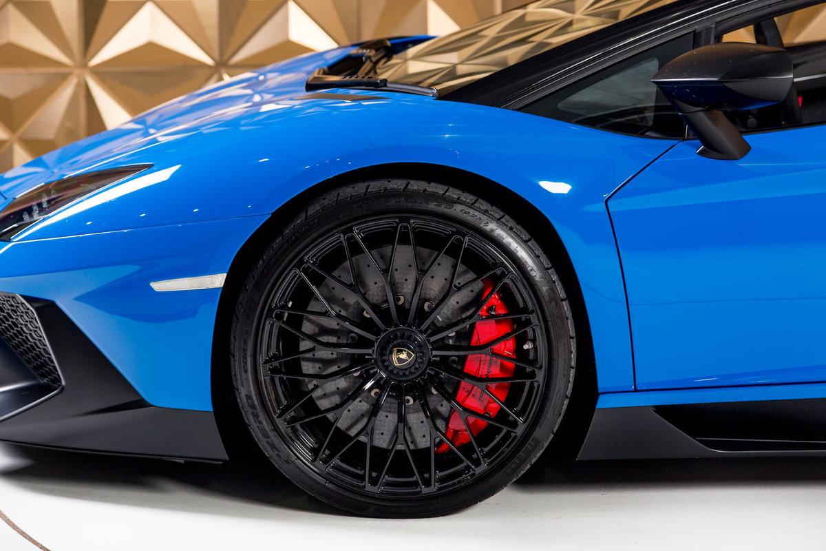 2016 Lamborghini Aventador SV Roadster SOLD (picture 4 of 11)