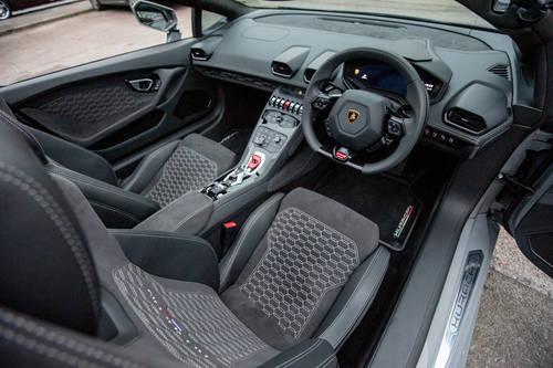 2017 Lamborghini Huracan LP610-4 Spyder (VAT QUAL) (RHD) For Sale (picture 4 of 6)
