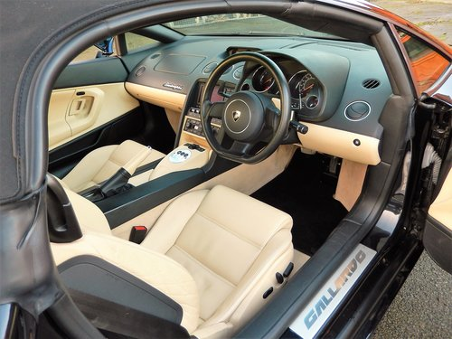 2006 Gallardo V10 E Gear --Low mileage & owners  SOLD (picture 5 of 6)