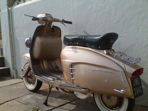 1965 LAMBRETTA LI 150 GOLDEN SPECIAL SOLD (picture 4 of 6)