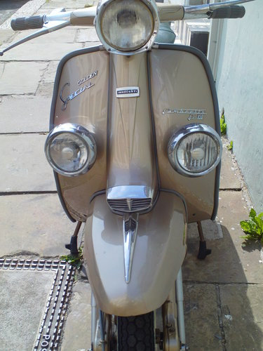 1965 LAMBRETTA LI 150 GOLDEN SPECIAL SOLD (picture 5 of 6)