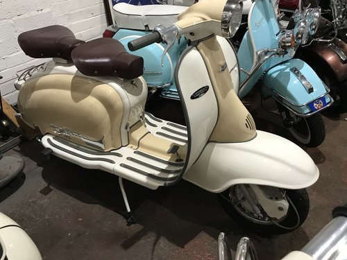 LAMBRETTA TV 175 series 2 1961 restored  For Sale (picture 1 of 6)