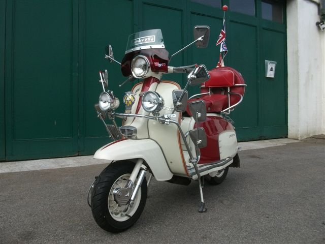 "1967 Lambretta 125, with all ""Mod"" cons!!! SOLD (picture 1 of 6)"