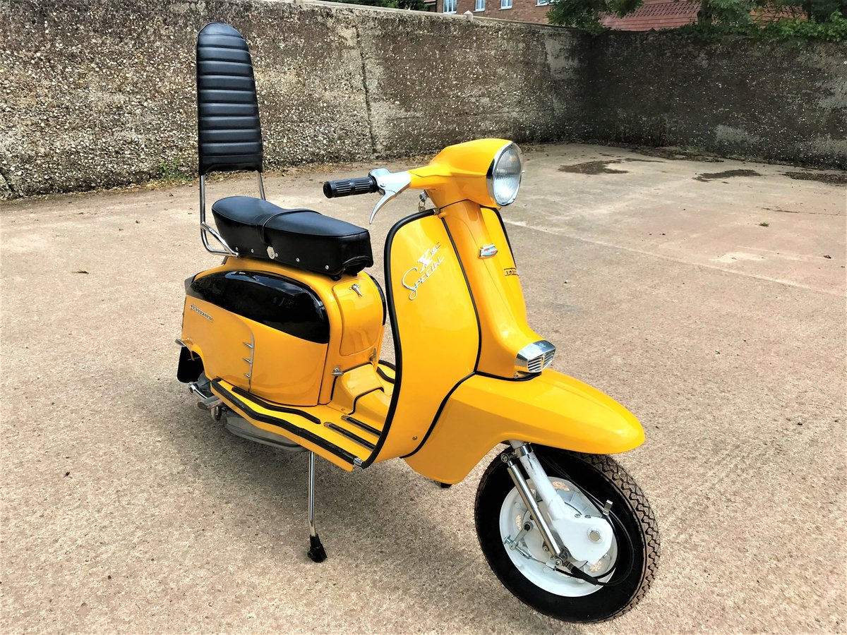 fully rebuilt 1967 Lambretta SX150 special+JAM number plate For Sale (picture 2 of 6)