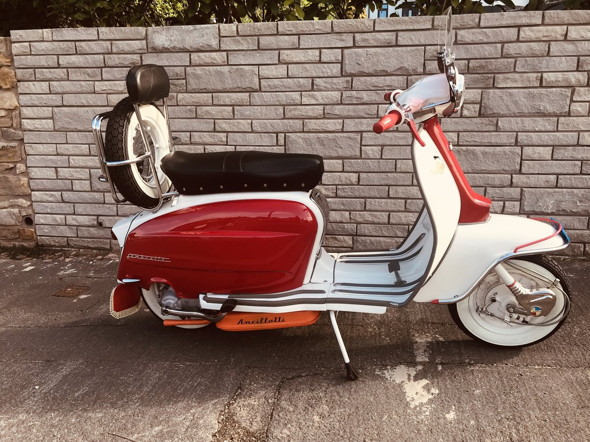 1965 Lambretta li150 Italian scooter For Sale (picture 1 of 6)