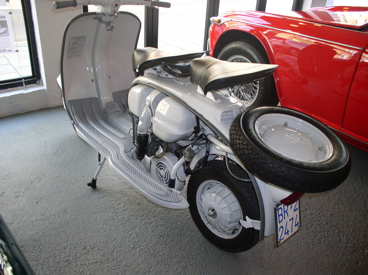 1961 LAMBRETTA LI 125 - FULLY RESTORED TO AS NEW CONDITION For Sale (picture 5 of 6)