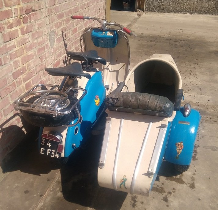 VERY NICE 125 LD LAMBRETTA WITH STEIB LS200 SIDECAR  1957  For Sale (picture 2 of 6)