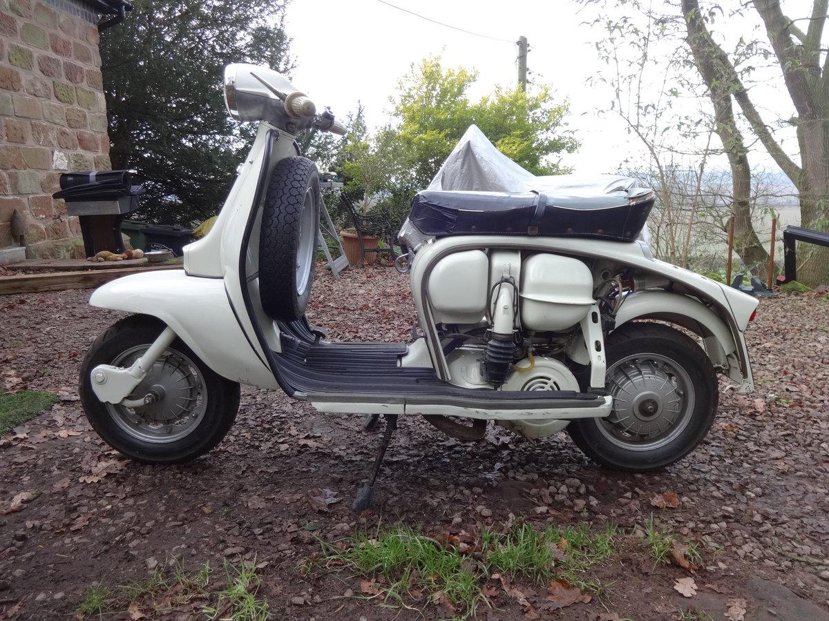 1962 Lambretta Li150 Genuine Italian model UK reg For Sale (picture 4 of 5)