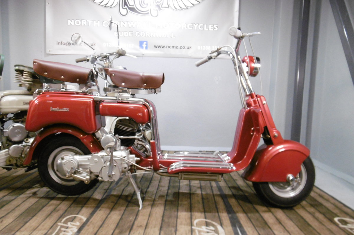 1947 B125 STUNNING FULL RESTORATION 1948 SOLD (picture 1 of 6)
