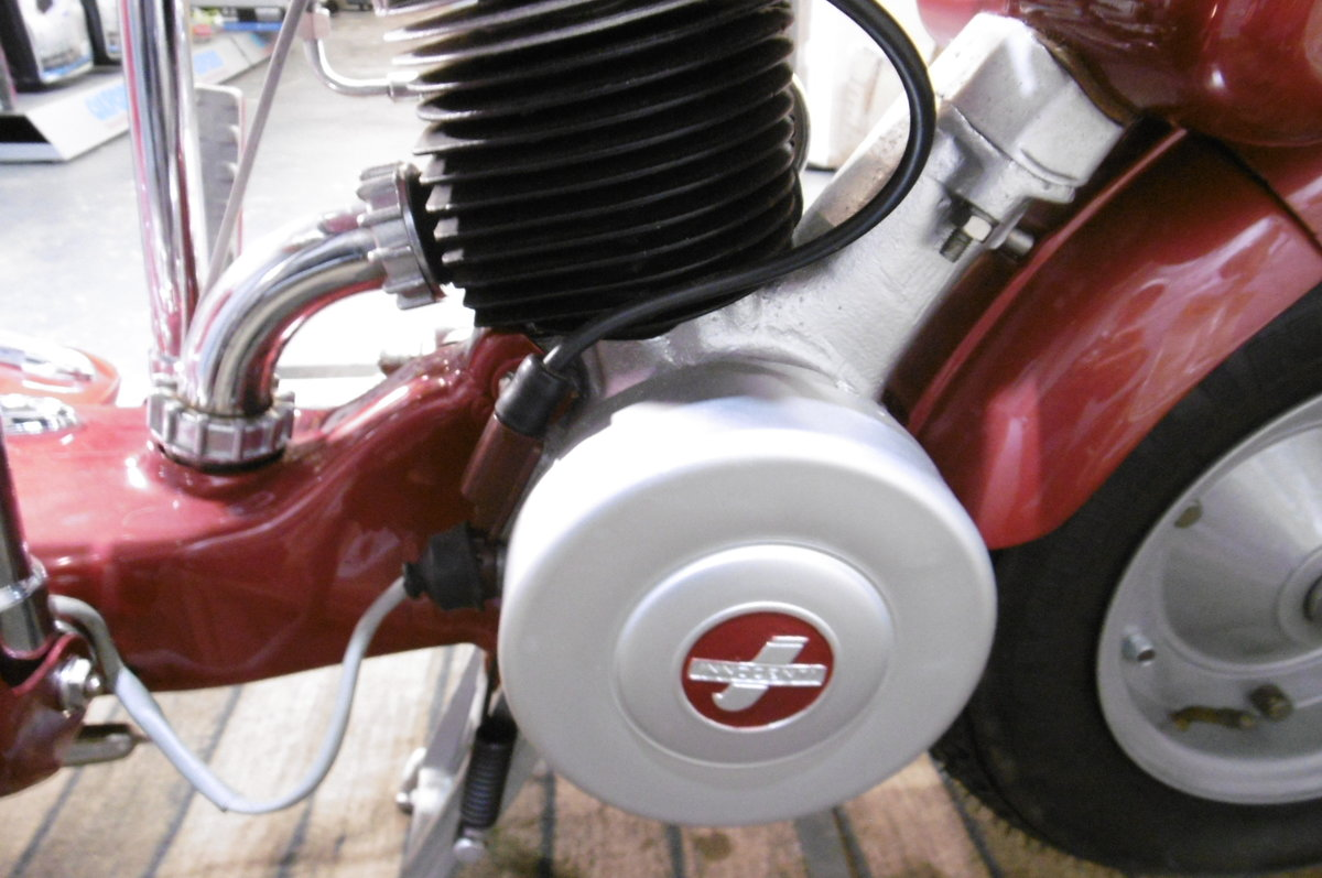 1947 B125 STUNNING FULL RESTORATION 1948 SOLD (picture 3 of 6)