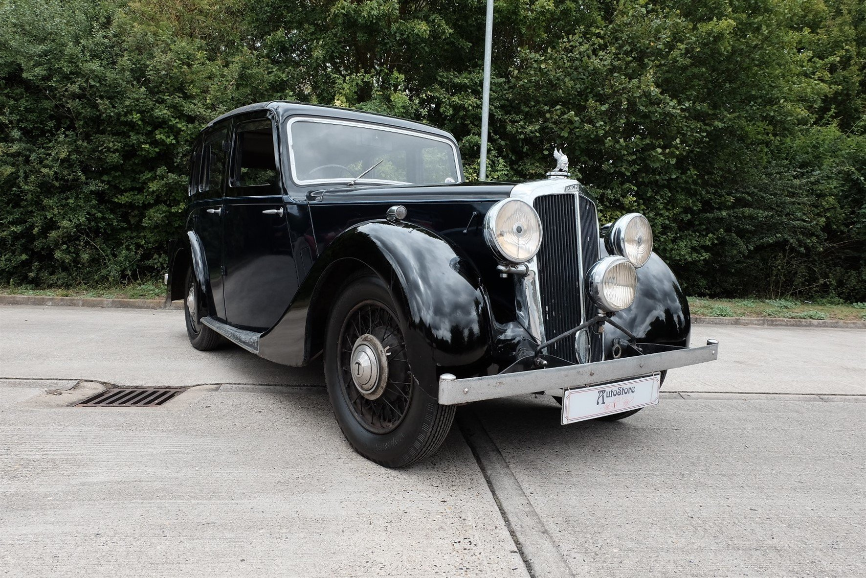 1937 Lanchester Roadrider SOLD (picture 1 of 6)