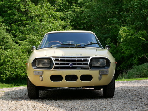 1972 Lancia Fulvia Sport 1.3S SOLD (picture 2 of 6)