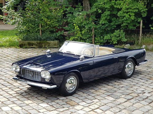 1961 Lancia Flaminia 2.5 1C Touring Convertible For Sale (picture 2 of 6)