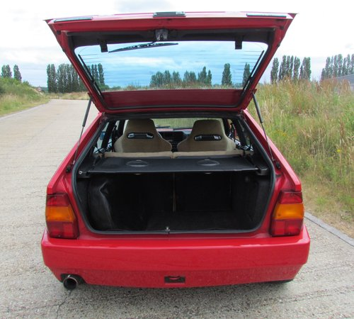 1993 Lancia Delta Integrale EvoII For Sale (picture 3 of 6)