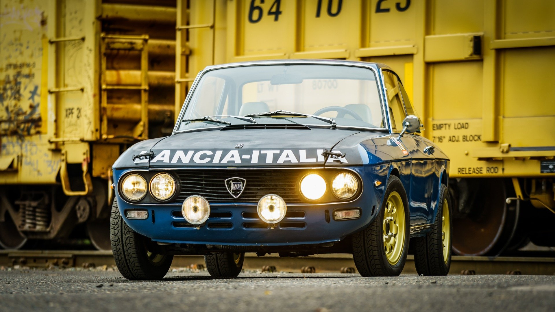 1974 Lancia Fulvia 1.3S = Blue Driver 5 speed 9k miles $23k For Sale (picture 1 of 6)
