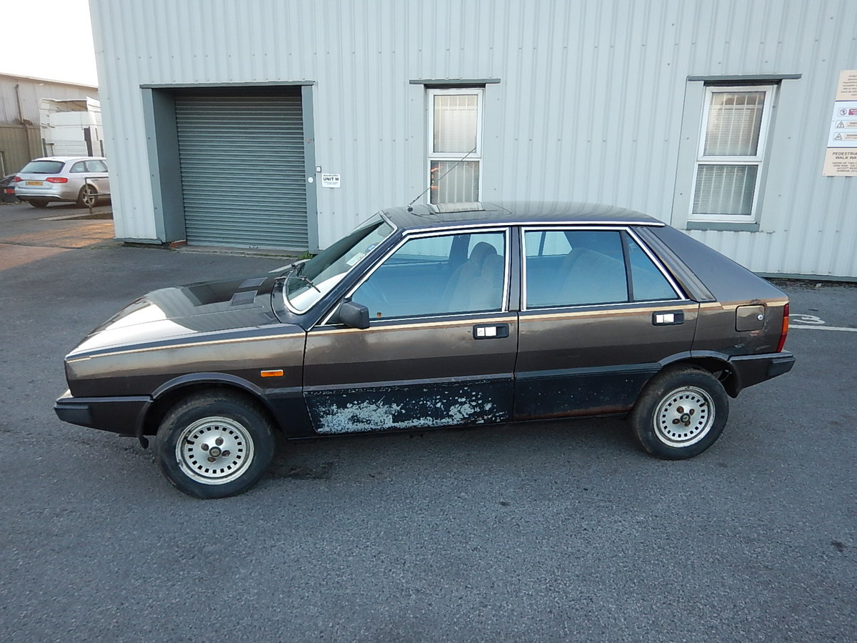 1983 LANCIA DELTA 1.5 LX ~ Genuine Barn Find ~  SOLD (picture 1 of 6)
