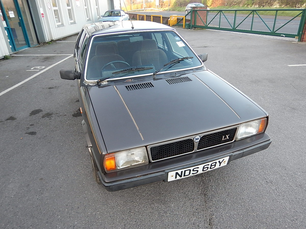 1983 LANCIA DELTA 1.5 LX ~ Genuine Barn Find ~  SOLD (picture 2 of 6)