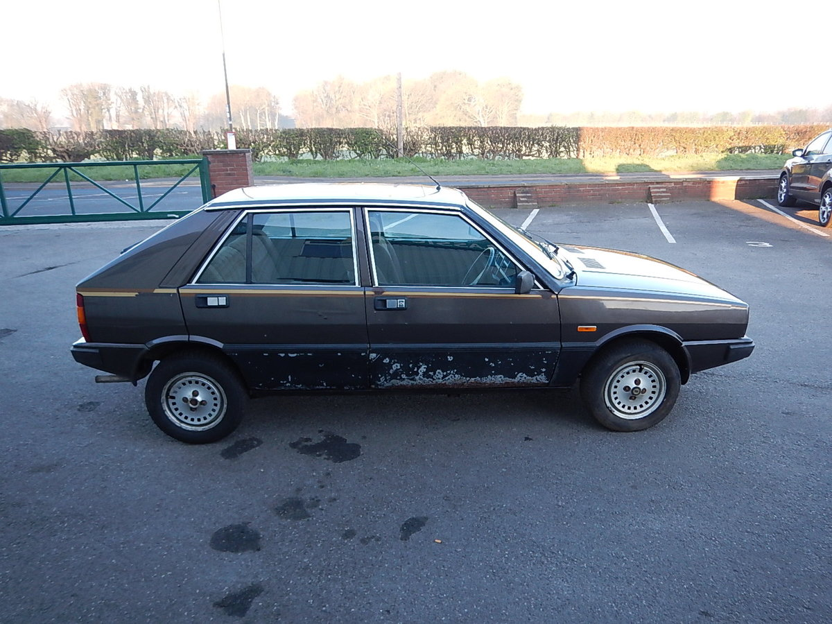 1983 LANCIA DELTA 1.5 LX ~ Genuine Barn Find ~  SOLD (picture 3 of 6)