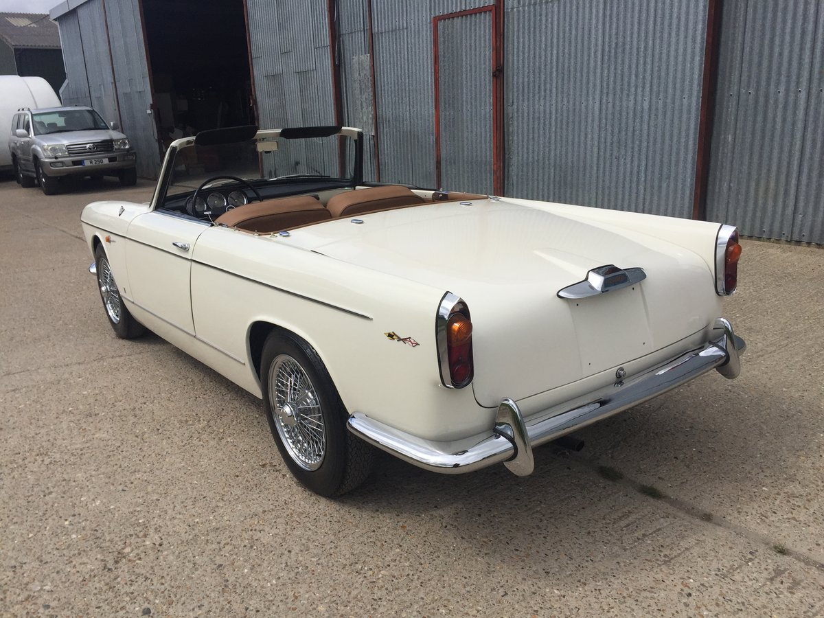 Stunning 1960 Lancia Appia Cabriolet by Vignale For Sale (picture 3 of 6)