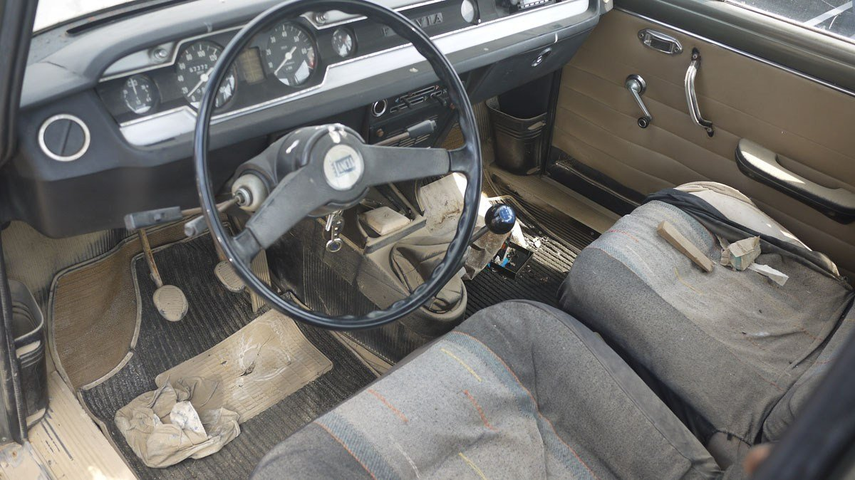 1971 Lancia Fulvia II Berlina 1.3 – ex. Pope John Paul For Sale by Auction (picture 2 of 4)