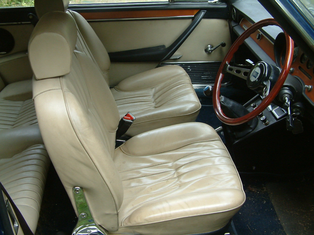 1974 Lancia 2000 coupe Pininfarina restored For Sale (picture 5 of 6)