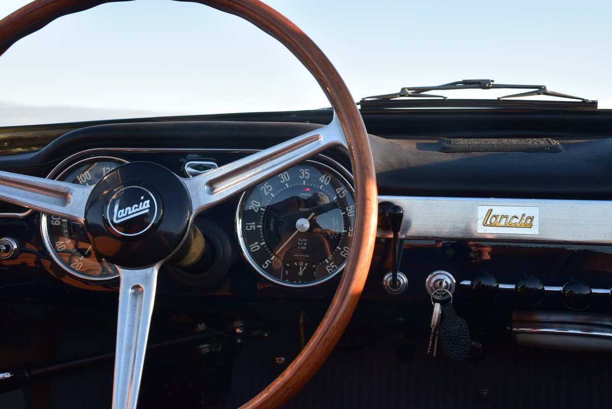 1963 Perfect restored beautiful Lancia Flaminia Convertible For Sale (picture 3 of 6)