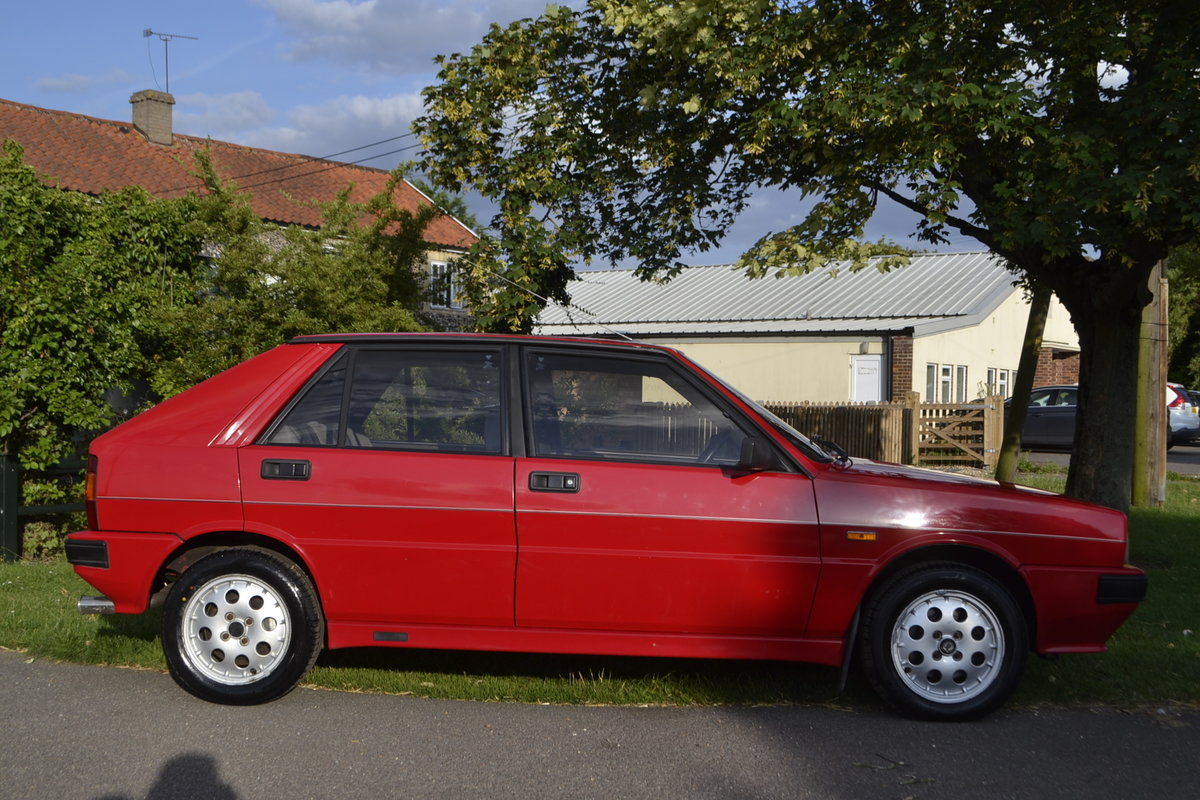 1988 Lancia Delta HF Turbo IE For Sale (picture 3 of 8)
