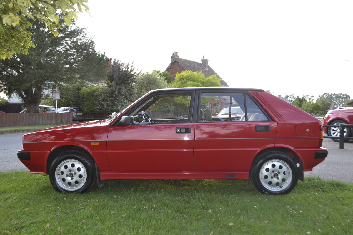 1988 Lancia Delta HF Turbo IE For Sale (picture 6 of 8)