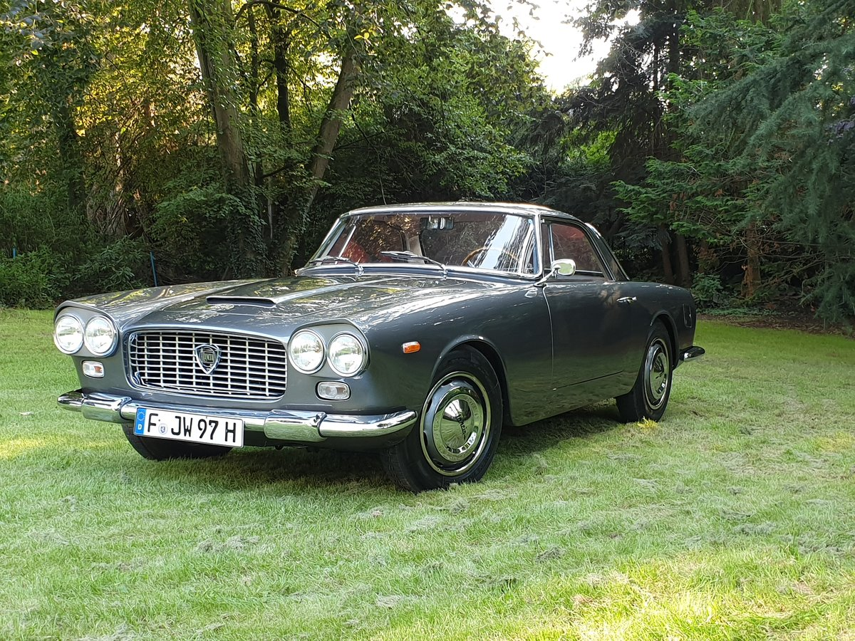 1960 Lancia Flaminia GT 2.5 Touring Superleggera SOLD (picture 2 of 6)