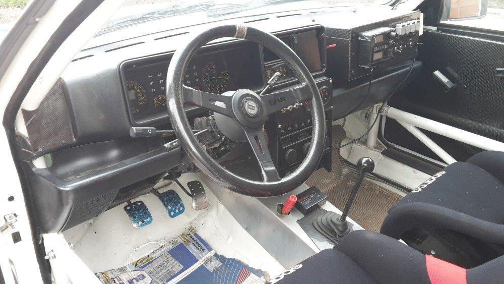 1993 Lancia Delta Integrale Evo2 Sedici Martini colors For Sale (picture 4 of 6)
