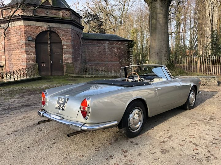 Lancia Flaminia Touring 2.5 Convertible 1961 LHD For Sale (picture 3 of 6)