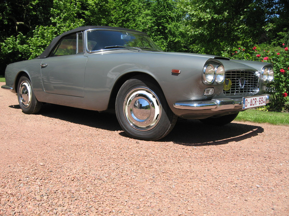 1961 Lancia Flaminia GT with certificates and ASI pass For Sale (picture 1 of 6)