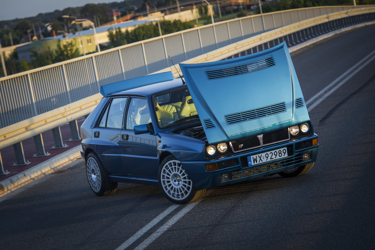 1994 Lancia delta hf integrale evo 2 blu la For Sale (picture 6 of 6)
