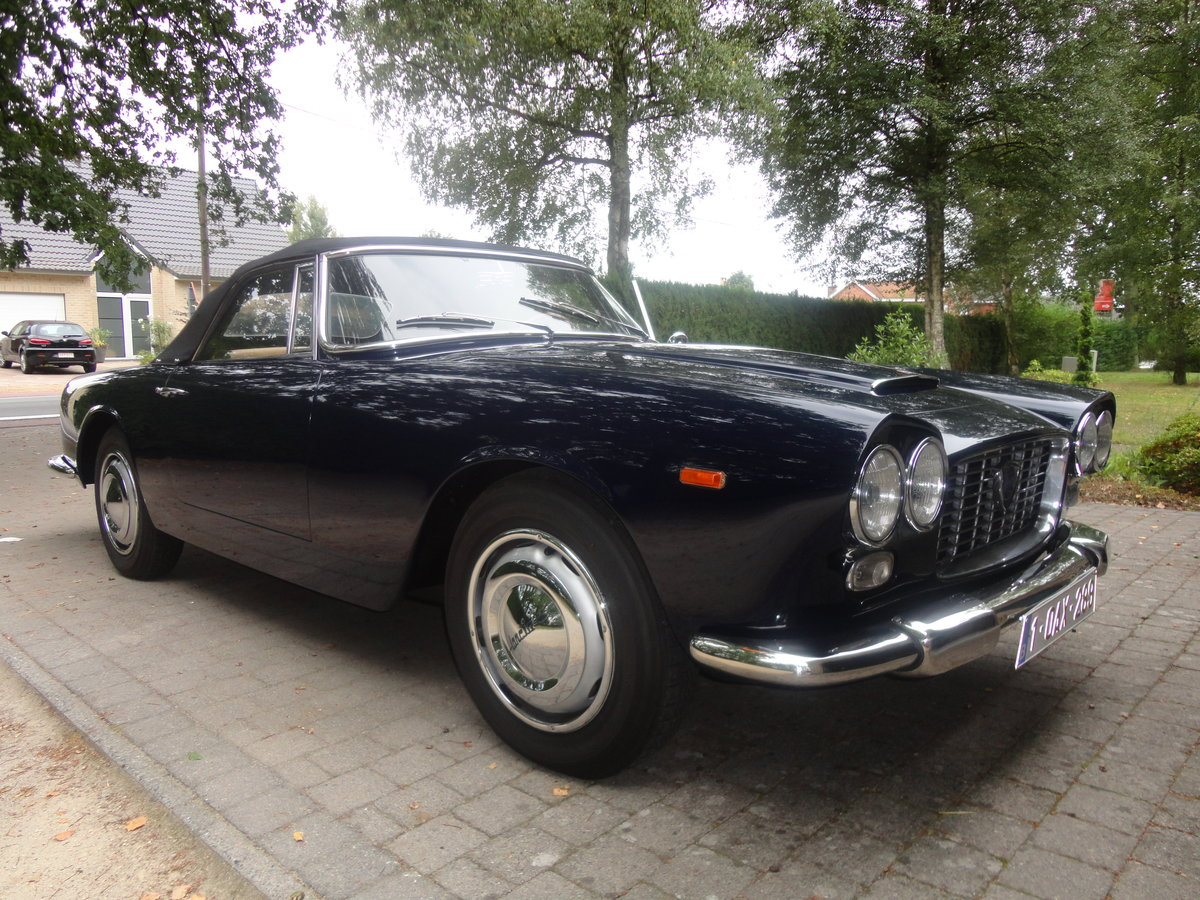 1968 lancia flaminia convertible For Sale (picture 2 of 5)