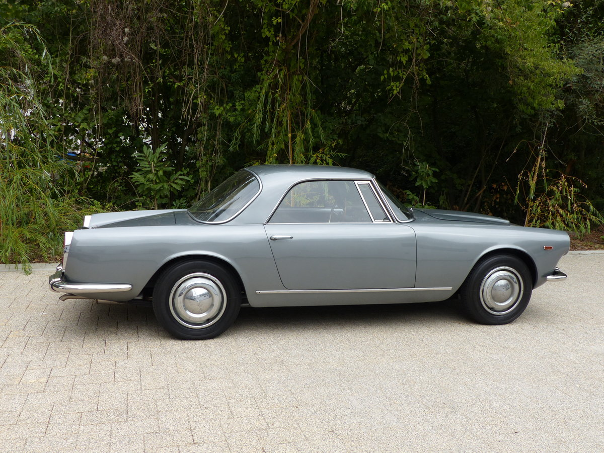 1967 La dolce vita:original and unwelded Flaminia GTL Touring 2.8 For Sale (picture 5 of 12)
