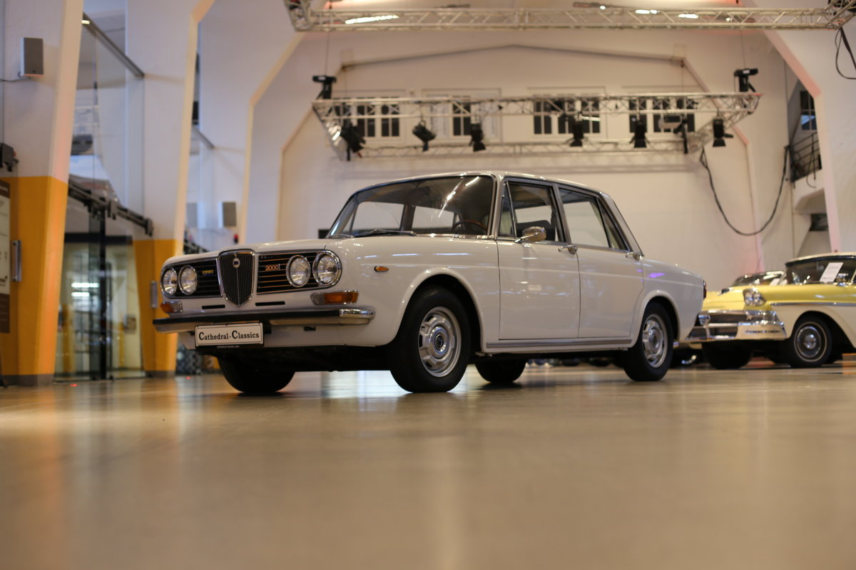 1973 A rare Lancia Berlina 2000 i.e. Type 820.416 with 18k km&apo For Sale (picture 7 of 12)