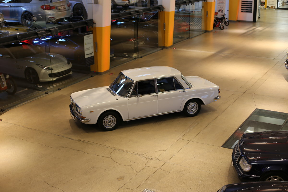 1973 A rare Lancia Berlina 2000 i.e. Type 820.416 with 18k km&apo For Sale (picture 10 of 12)