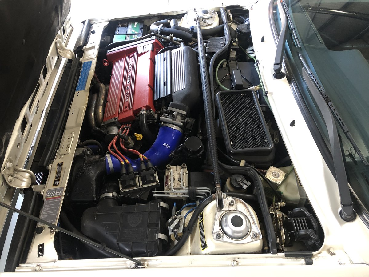 1989 Lancia Delta HF Integrale 'Bianco Perlato' SOLD (picture 11 of 12)