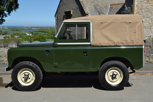 1976 Land Rover Series 3 Bronze Green Softop Galvanised Chassis SOLD (picture 2 of 6)