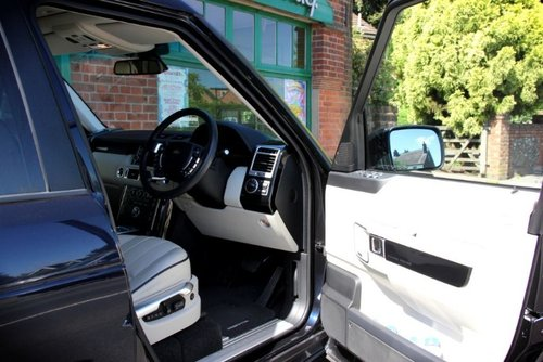 2012 Land Rover Range Rover TDV8 Vogue SOLD (picture 4 of 4)