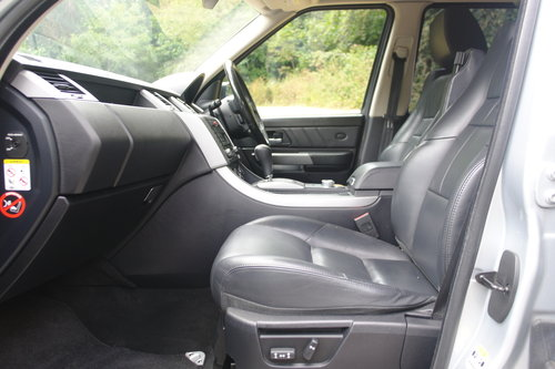 RANGE ROVER SPORT.. HSE TDV8.. ONE OWNER + FSH SOLD (picture 2 of 4)