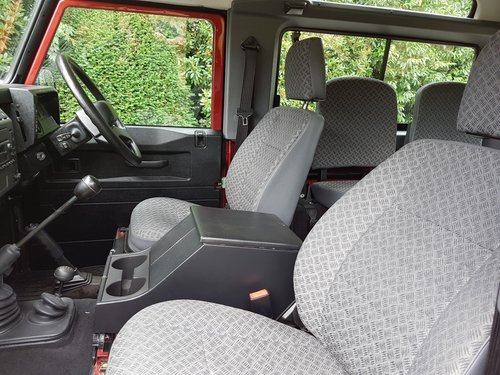 SIMMONITES 70TH EDITION LAND ROVER DEFENDER 90 TD5 COUNTY ST For Sale (picture 5 of 6)