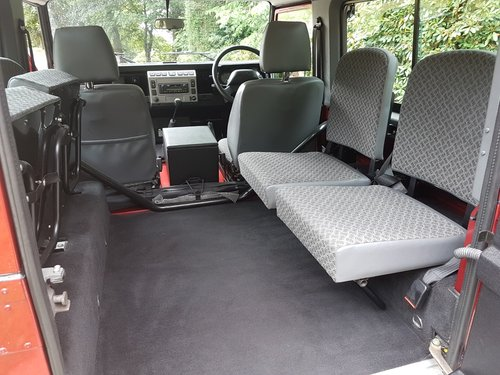 SIMMONITES 70TH EDITION LAND ROVER DEFENDER 90 TD5 COUNTY ST For Sale (picture 6 of 6)