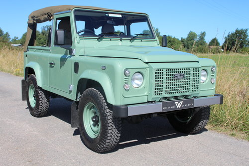 Land Rover Defender 90 Heritage Edition Soft Top 1 Owner SOLD (picture 1 of 6)