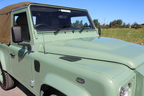 Land Rover Defender 90 Heritage Edition Soft Top 1 Owner SOLD (picture 4 of 6)