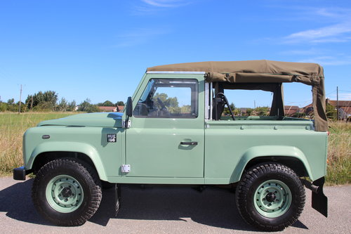 Land Rover Defender 90 Heritage Edition Soft Top 1 Owner SOLD (picture 5 of 6)