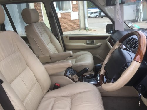 2002 range rover 4.6 vogue only 63000 miles 2 owners mint  For Sale (picture 3 of 6)