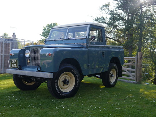 1969 Land Rover Series IIA SWB For Sale (picture 1 of 6)