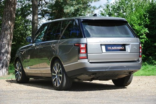 2017 LAND ROVER RANGE ROVER VOGUE TDV6 **LIKE NEW** For Sale (picture 2 of 6)